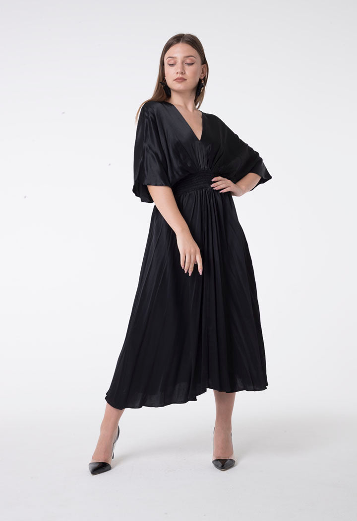 Nocturne Short Sleeve Elastic Waist Pleated Midi Dress Black