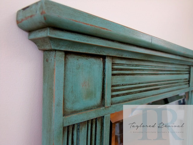 Angelique - Solid wood mirror with bevelled edge in turquoise green