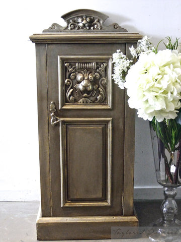 Jacqueline: Revived Bedside table circa 1910-15 in French Linen