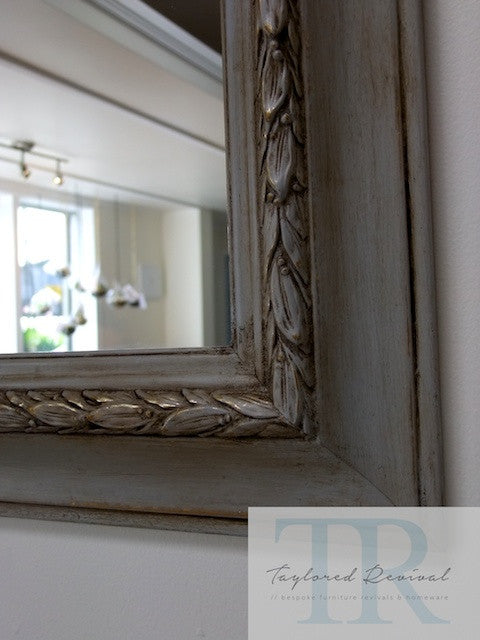 Bian - Beautiful vintage mirror in grey and gold