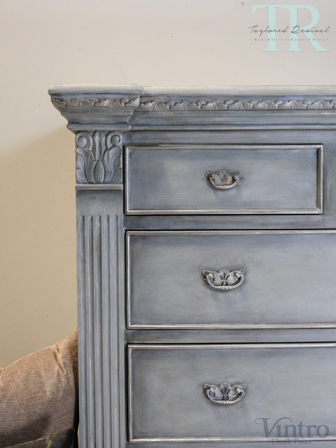 Veronica - 7 Drawer Pillar chest in Dove with layered Blues and Silver detailing