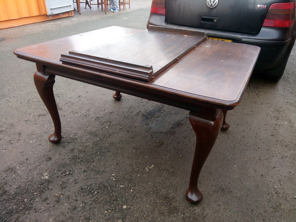 TR-144 Wind-Out Dining Table Mahogany Cabriolet Leg 1920s