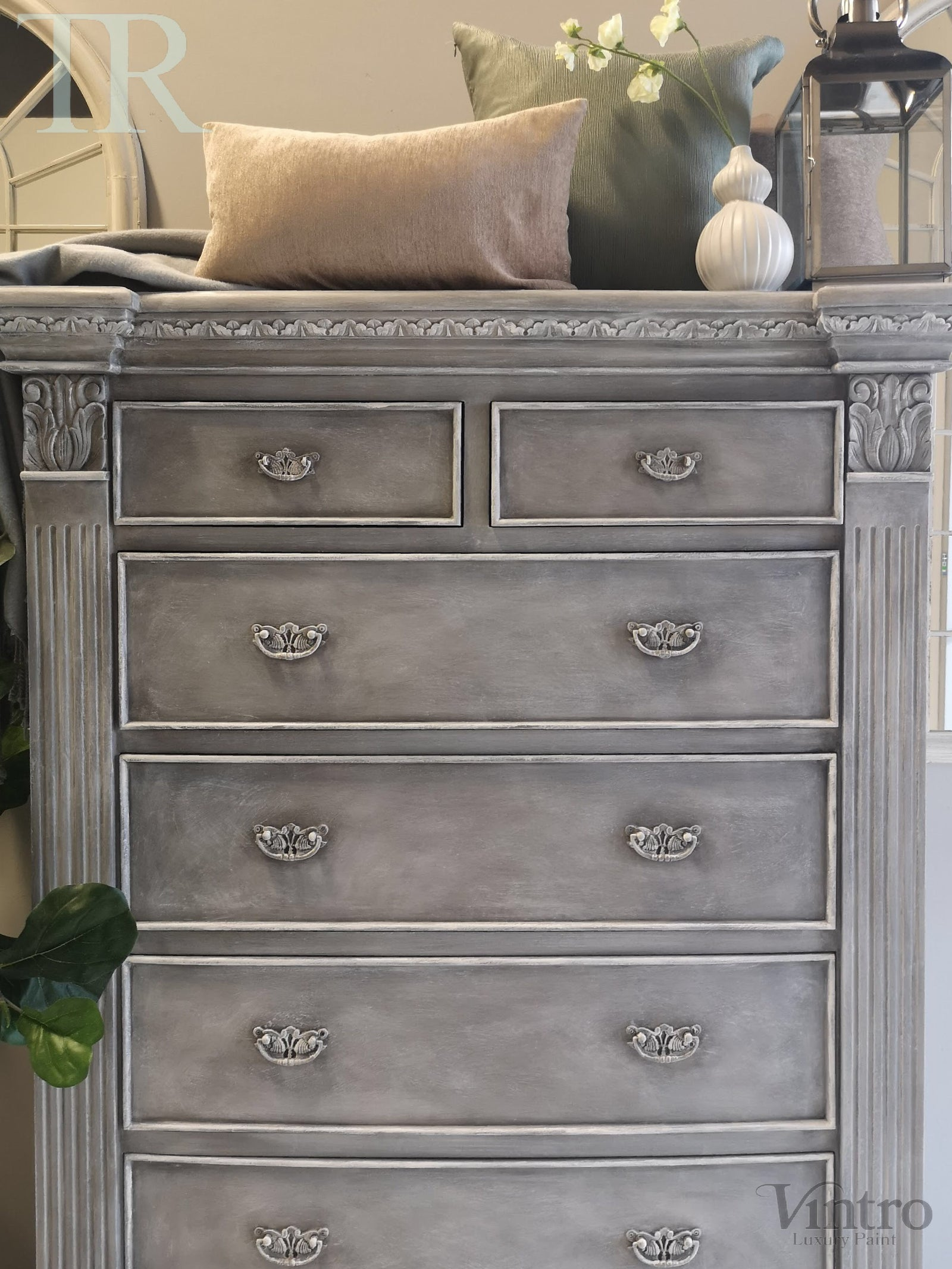 Ciana : 7 Drawer Pillar Chest
