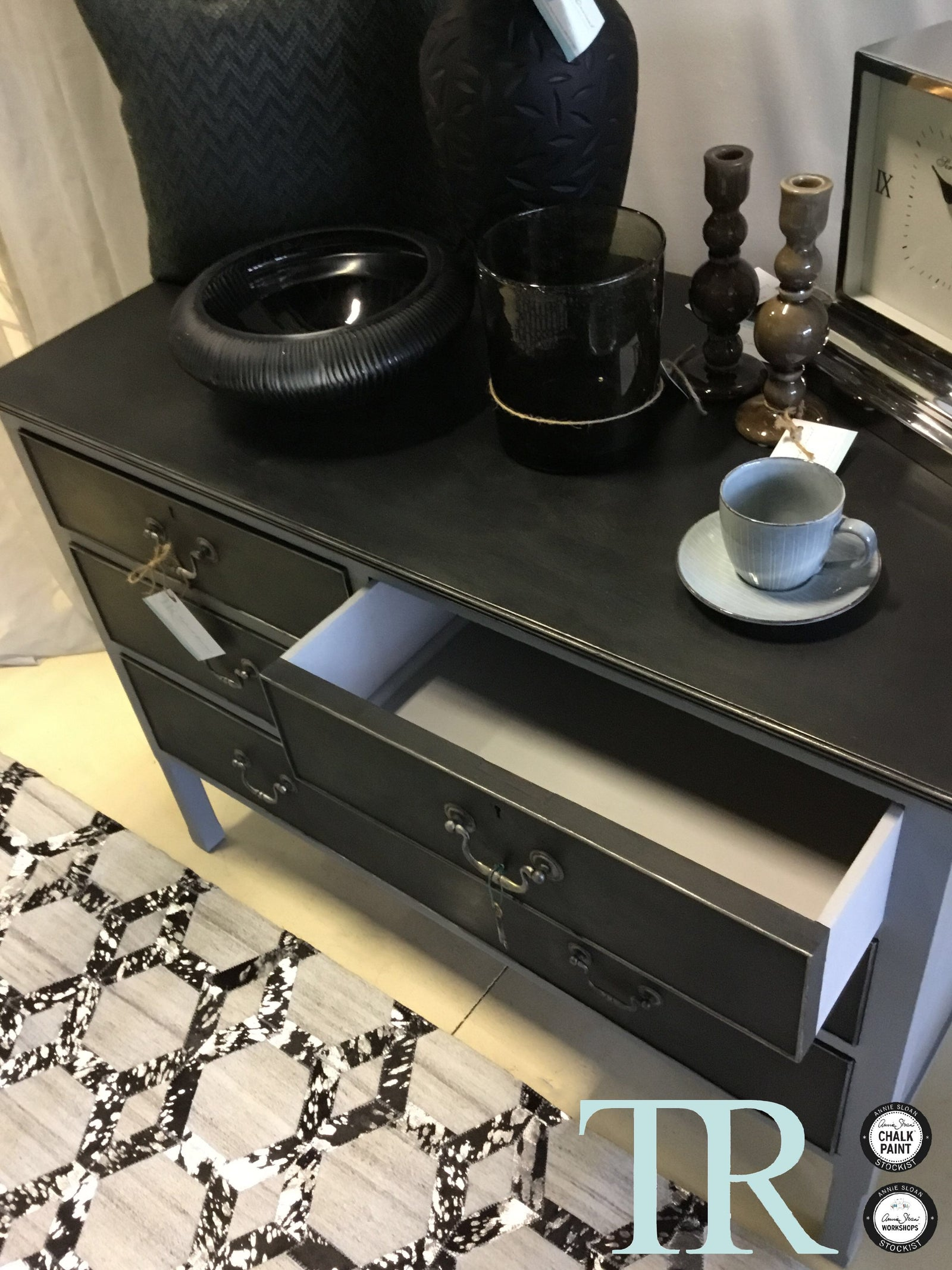 Shyla : Hand painted set of drawers