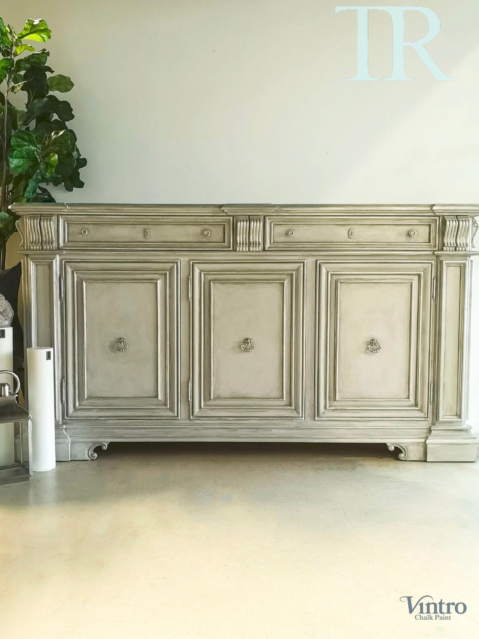 Athelia : Edwardian style sideboard in a Pale Grey and Champagne Silver bevels.