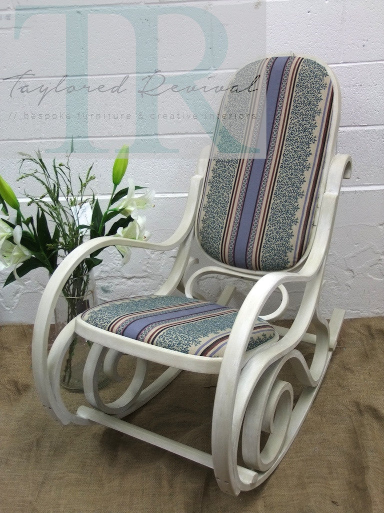 Commission bentwood chair