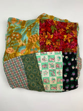 Load image into Gallery viewer, charm pet quilt jacket