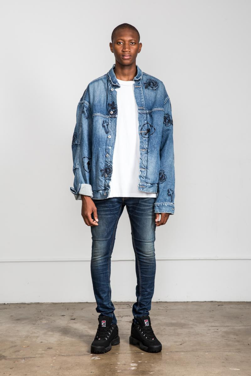 OVERSIZED DENIM JACKET 10-YEAR WASH W/ ROSE EMBROIDERY