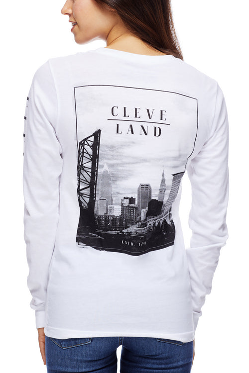 Skyline Photo - Unisex Long-Sleeve Crew - White