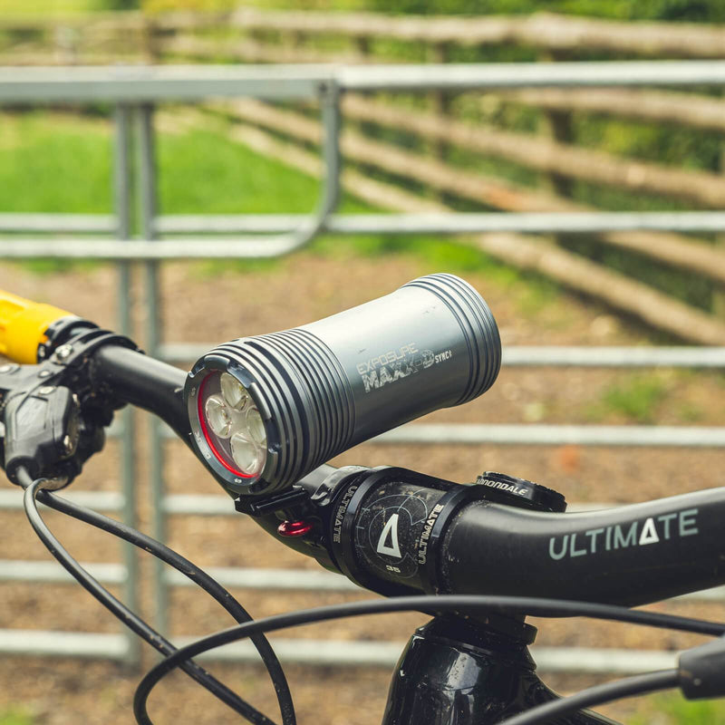 USE Exposure MaXx-D Sync Mk2 With QR Handlebar Mount & Remote Front Bike Light Alternate 2