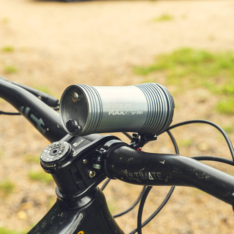 USE Exposure MaXx-D Sync Mk2 With QR Handlebar Mount & Remote Front Bike Light Alternate 3