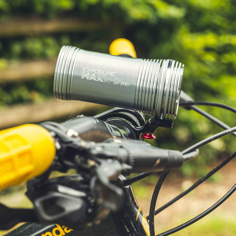 USE Exposure MaXx-D Sync Mk2 With QR Handlebar Mount & Remote Front Bike Light Alternate 4