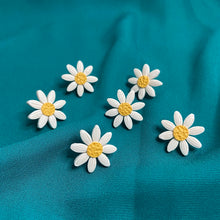 Load image into Gallery viewer, White Daisy Studs