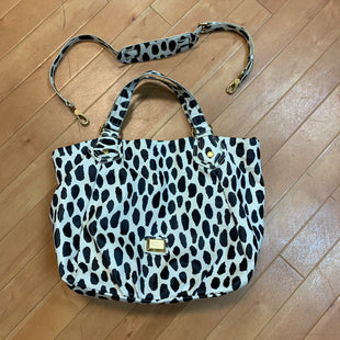 Primary Photo - BRAND: MARC BY MARC JACOBS STYLE: HANDBAG DESIGNER COLOR: WHITE BLACK SIZE: LARGE SKU: 217-217104-34341