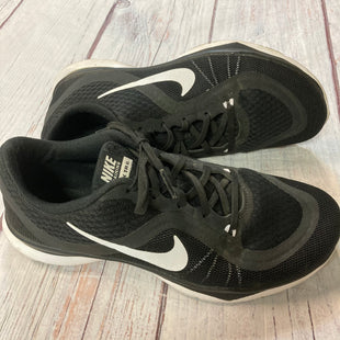 Primary Photo - BRAND: NIKE STYLE: SHOES ATHLETIC COLOR: BLACK WHITE SIZE: 7.5 SKU: 217-217182-8496
