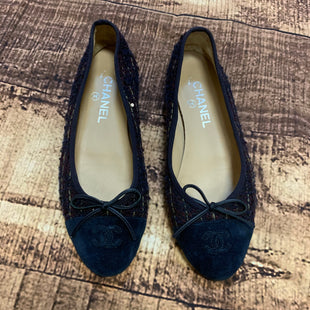 Primary Photo - BRAND: CHANEL STYLE: SHOES FLATS COLOR: NAVY SIZE: 8 SKU: 217-217153-6717