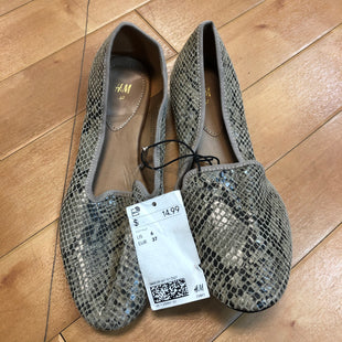 Primary Photo - BRAND: H&M STYLE: SHOES FLATS COLOR: SNAKESKIN PRINT SIZE: 6 OTHER INFO: NEW! SKU: 217-217104-30024