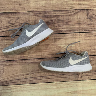Primary Photo - BRAND: NIKE STYLE: SHOES ATHLETIC COLOR: GREY SIZE: 7 SKU: 217-217153-7015