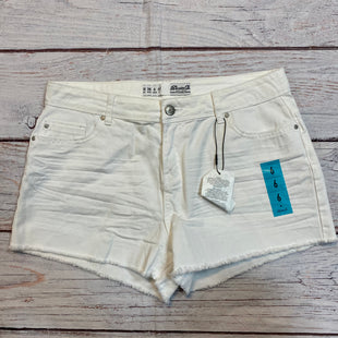 Primary Photo - BRAND: DENIM AND CO QVC STYLE: SHORTS COLOR: WHITE SIZE: 6 OTHER INFO: NEW! SKU: 217-217182-5809
