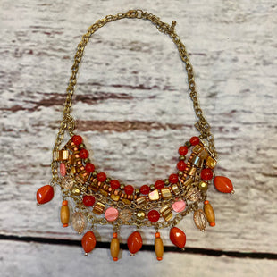 Primary Photo - BRAND:    CLOTHES MENTOR STYLE: NECKLACE COLOR: CORAL OTHER INFO: BEADED/GOLD CHAINS SKU: 217-217104-39058