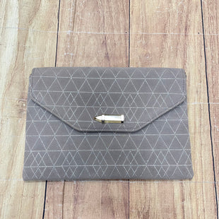 Primary Photo - BRAND: STELLA AND DOT STYLE: CLUTCH COLOR: GREY OTHER INFO: GEOMETRIC SKU: 217-217104-36552