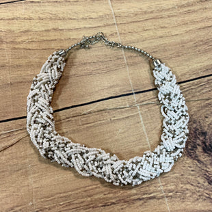 Primary Photo - BRAND: N/ASTYLE: NECKLACE COLOR: WHITE SKU: 217-217182-4510