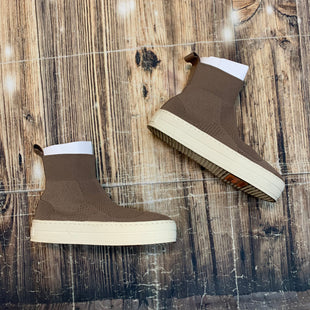Primary Photo - BRAND:    J SLIDESSTYLE: SHOES ATHLETIC COLOR: BROWN SIZE: 6.5 OTHER INFO: J SLIDES - SKU: 217-217182-7197