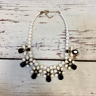 Primary Photo - BRAND: CHARMING CHARLIE STYLE: NECKLACE COLOR: BLACK WHITE SKU: 217-217104-36211