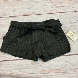Primary Photo - BRAND: GUESS STYLE: SHORTS COLOR: BLACK SIZE: 4 OTHER INFO: NWT $34.50 WHITE STRIPES SKU: 217-217182-220
