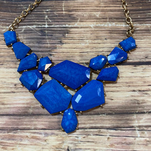 Primary Photo - BRAND:    CLOTHES MENTOR STYLE: NECKLACE COLOR: GOLD OTHER INFO: BLUE STONES SKU: 217-217182-5403