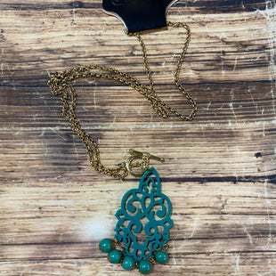 Primary Photo - BRAND:    CLOTHES MENTOR STYLE: NECKLACE COLOR: GOLD OTHER INFO: TEAL SKU: 217-217182-2321
