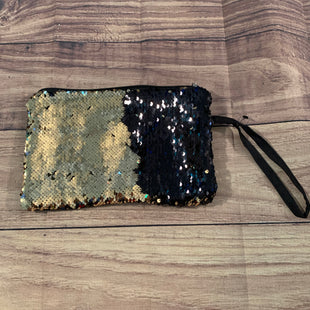 Primary Photo - BRAND:    STYLE: WRISTLET COLOR: SEQUIN OTHER INFO: BLACK AND GOLD SKU: 217-217182-5298