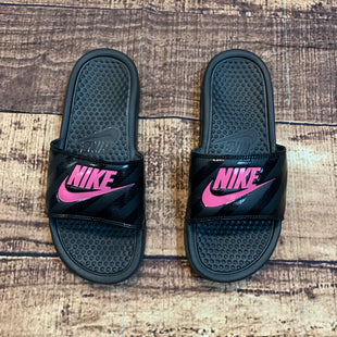 Primary Photo - BRAND: NIKE STYLE: SANDALS FLAT COLOR: PINKBLACK SIZE: 8 OTHER INFO: SLIDES SKU: 217-217104-35814