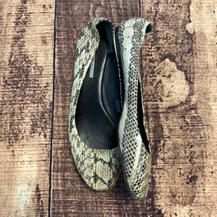Primary Photo - BRAND: VERA WANG STYLE: SHOES FLATS COLOR: SNAKESKIN PRINT SIZE: 9 SKU: 217-217182-4428