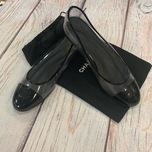 Primary Photo - BRAND: CHANEL STYLE: SHOES FLATS COLOR: CLEAR SIZE: 10.5 OTHER INFO: PVC AND PATENT CCFLAT SKU: 217-217144-9549