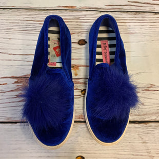 Primary Photo - BRAND: BETSEY JOHNSON STYLE: SHOES FLATS COLOR: BLUE SIZE: 6.5 OTHER INFO: FUZZ TOE SKU: 217-217104-37825