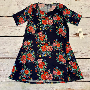 Primary Photo - BRAND: NINA LEONARD STYLE: DRESS SHORT SHORT SLEEVE COLOR: FLORAL SIZE: 1X OTHER INFO: NEW! $70 NAVY RED GREEN YELLOW PINK SKU: 217-217104-39248