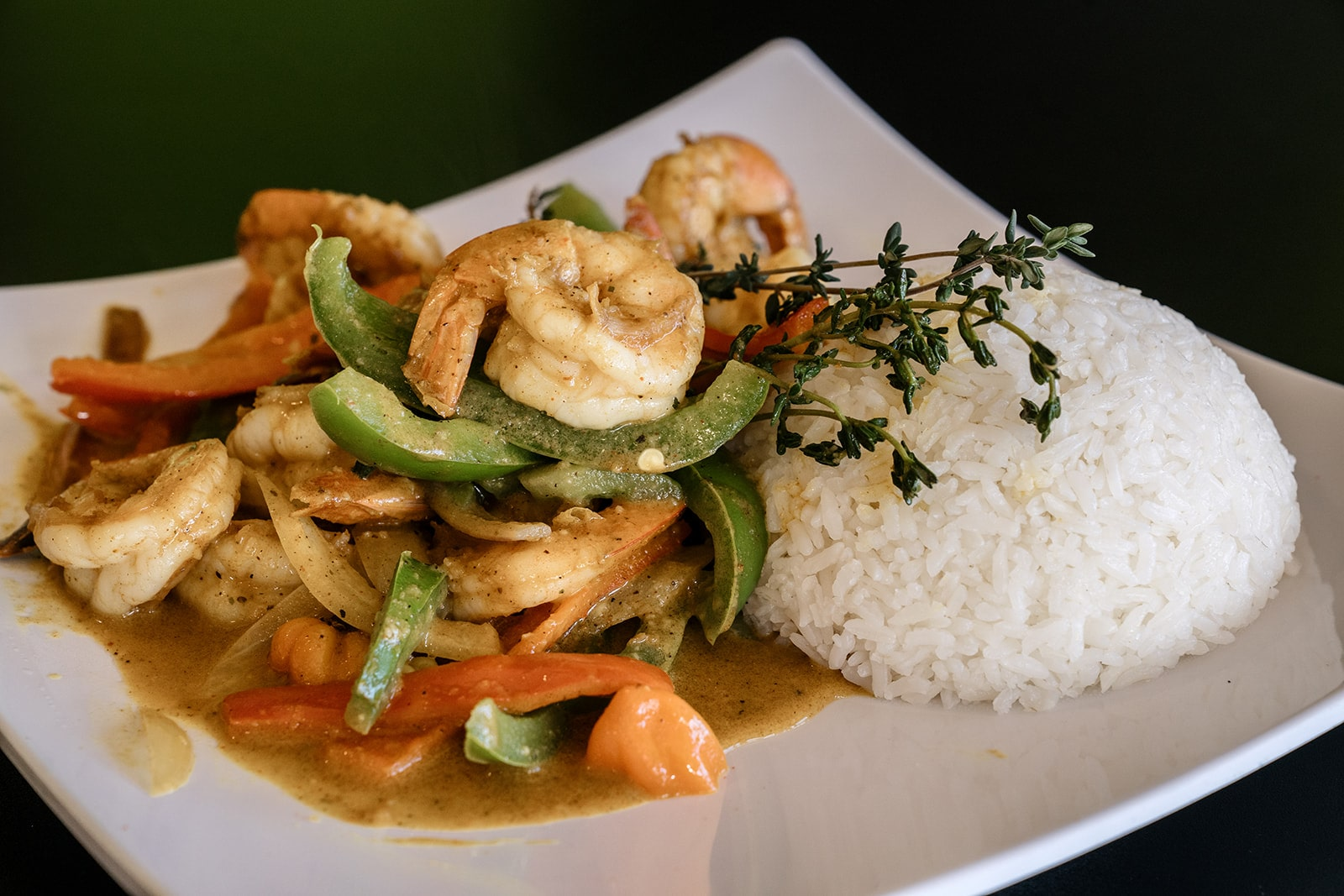 Jamaican Curry Shrimp With Rice