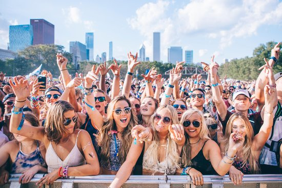 Lolla Crowd grande - Lollapalooza 2016 Review