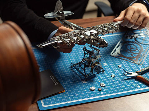 Heavenly Hercules - metal mechanical model by Time For Machine