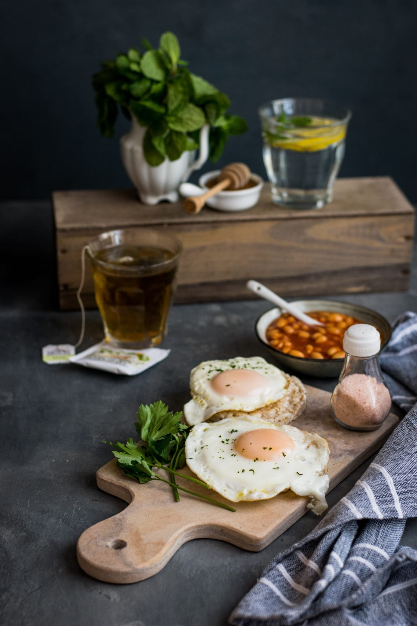 Why is eating low-carb breakfast good for you
