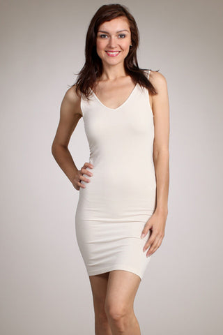 sleeveless v/scoop dress