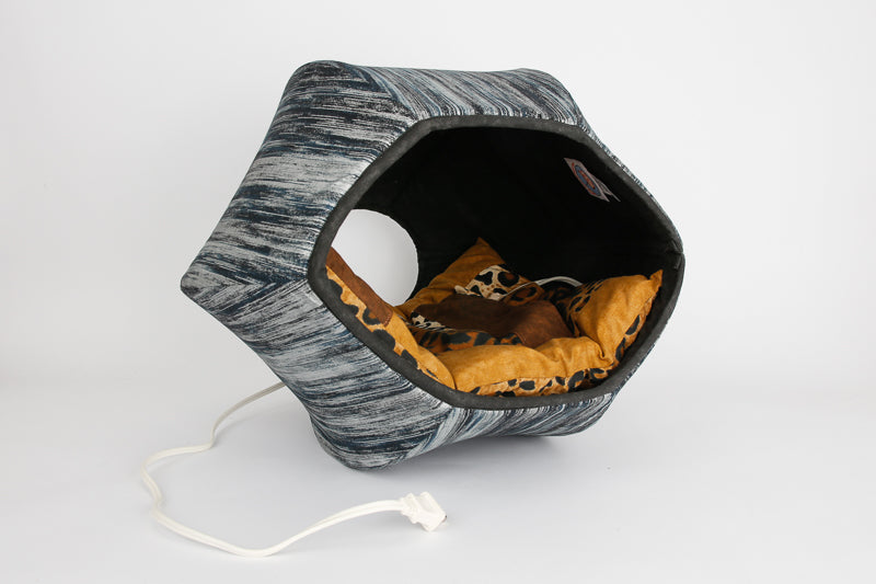 The Cat Ball® cat bed shown with size small heating pad pocket bed inside