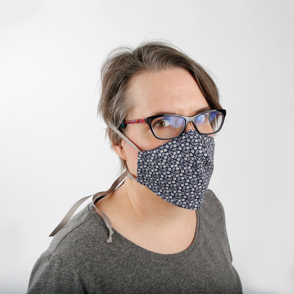 This face mask design has an adjustable headband and is a good option if you wear glasses or hearing aids
