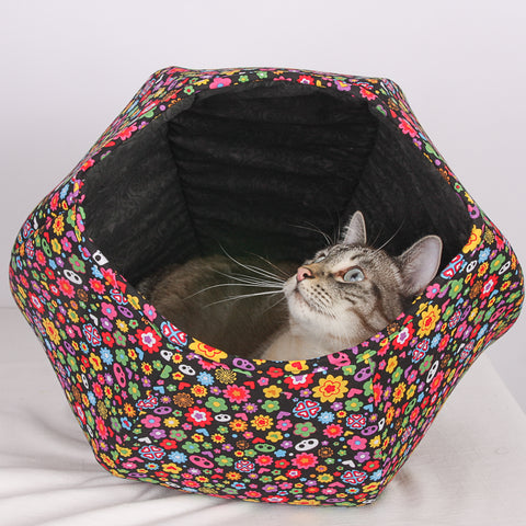 Retro inside the Cat Ball cat bed