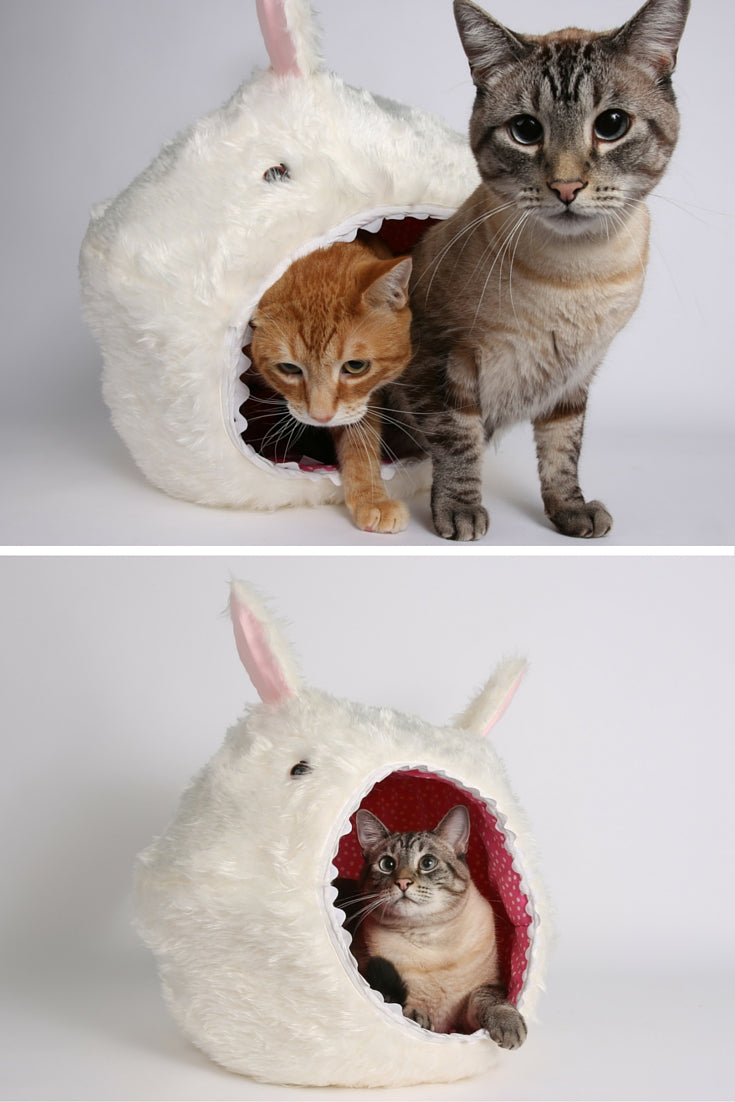 The Hairy Cat Ball Cat bed in white faux fur