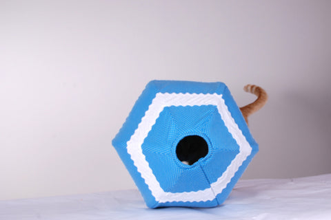 The Cat Ball cat bed design