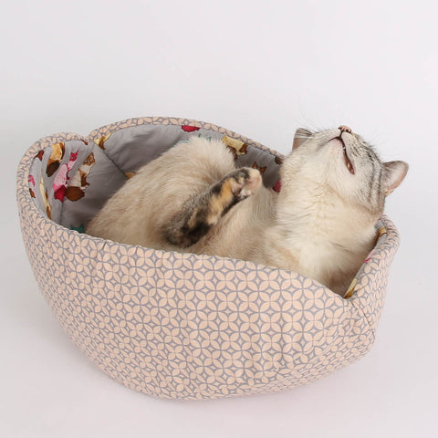 The CAT CANOE is a cat nest and modern cat bed design