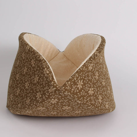 The jumbo size CAT CANOE cat bed was designed for large cats