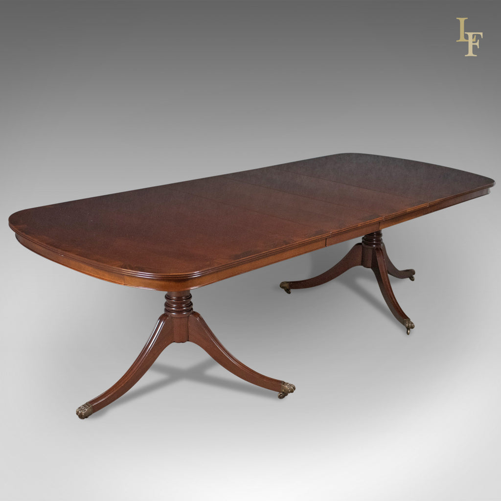 8 10 seat dining table in regency taste english mahogany harrods london fine antiques. Black Bedroom Furniture Sets. Home Design Ideas